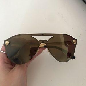 Black Glam Medusa Sunglasses